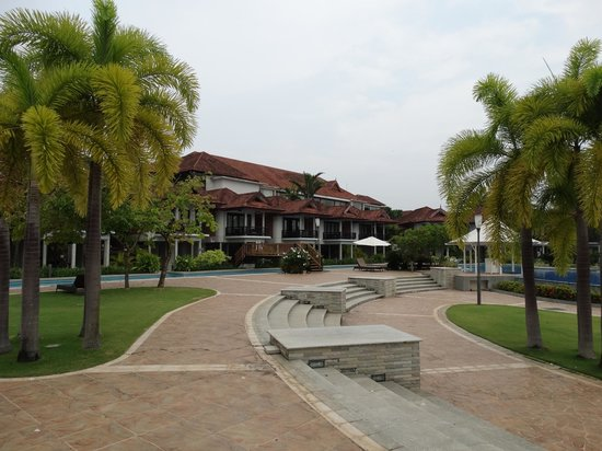 Ramada Resort Cochin: resort