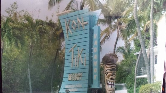 Kon-Tiki Resort: Sign off the highway,....