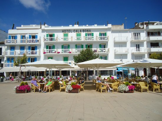 Hotel Cala Bona: The lovely Cala Bona Hotel.