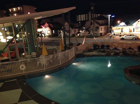 The StarLux Hotel & Suites: Pool