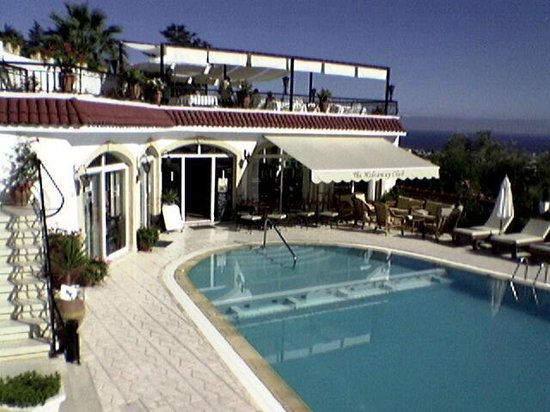 The Hideaway Club Hotel: Pool, Bar & Roof Terrace