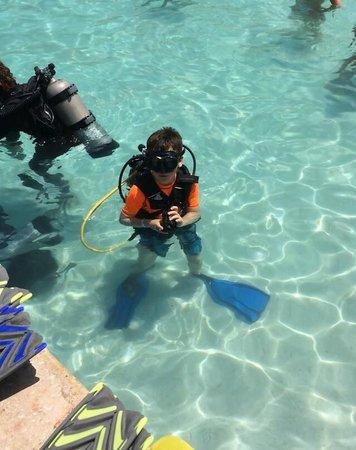 Iberostar Tucan Hotel: Scuba in the pool!