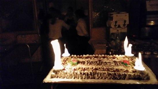 Centro Termale Il Baistrocchi: Arrivo della torta