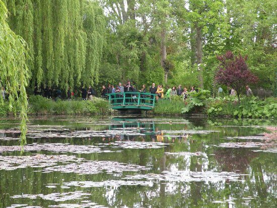 how to get to giverny gardens from paris