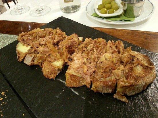 Restaurante Caney: tosta de chicharrones