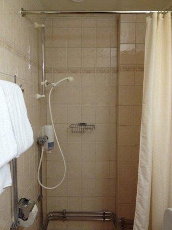 Pitea Stadshotell: The shower cabin