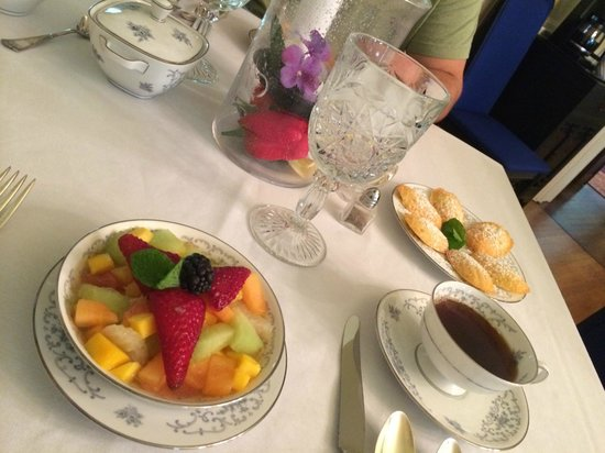Edwards Waterhouse Inn : Breakfast 2014