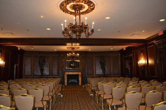 Omni Parker House: The Press Room