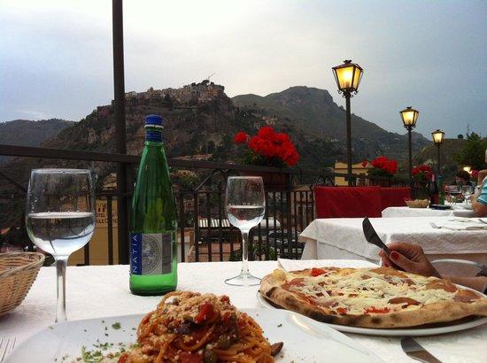 Al Saraceno: Dinner med udsigt over Castelmola