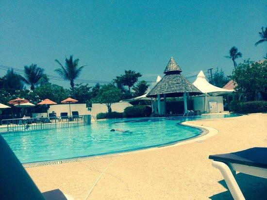 Aonang Villa Resort: The pool