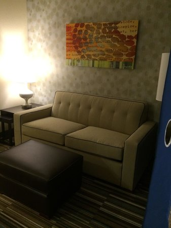 Home2 Suites by Hilton Fargo: Studio suite w/ pull out bed.