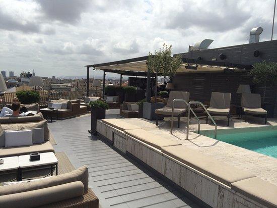 Majestic Hotel & Spa Barcelona: Roof Top Bar & Pool
