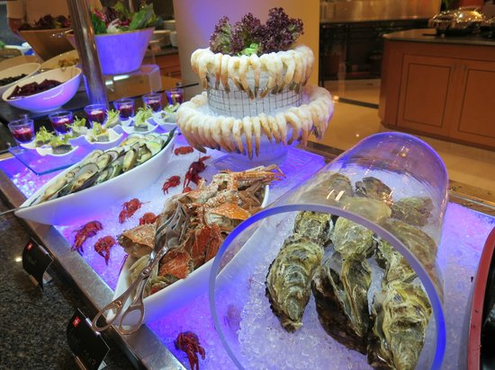 Movenpick Hotel Doha: sushi night
