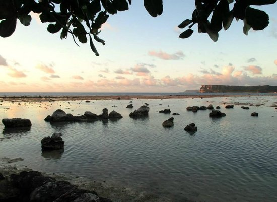 Hilton Guam Resort & Spa: View from the Beach to Lover's Leap