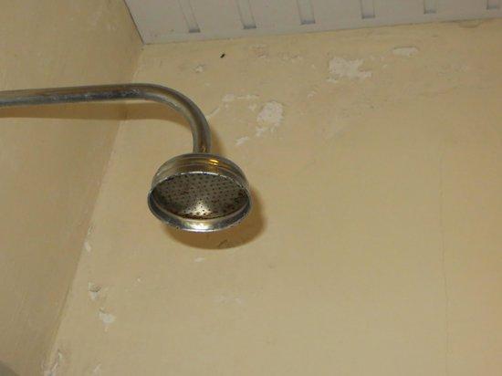 Tapu Lodge: douche avec crépi en lambeau