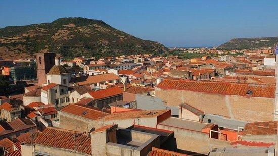 Blu B&B Bosa: Aussicht von der Dachterrasse