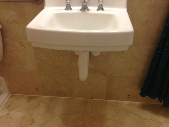 The Don CeSar : and a tiny sink with no counter.