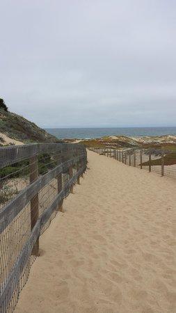 Monterey Beach Dunes Inn : Trail to Heaven....
