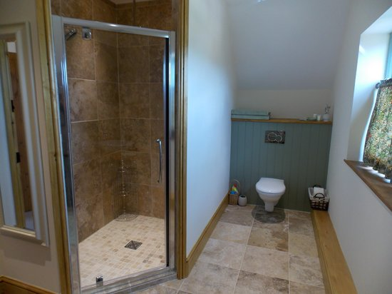 The Chance: Kiftsgate Room ensuite