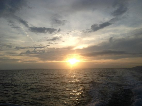 Kauai Sea Tours: Sunset after the rain....