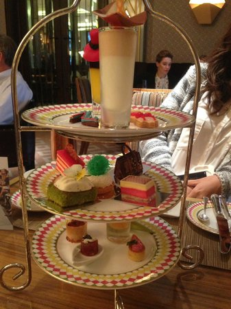 The Berkeley: Full afternoon Tea :)