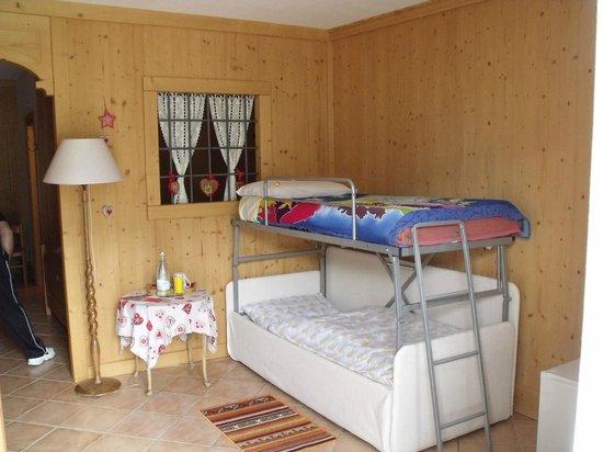 B&B Il Grappolo Valtellina: Kid's room