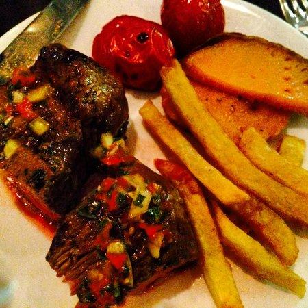 Cau : Rump steak, chimichurri, sweet potatos and tomato