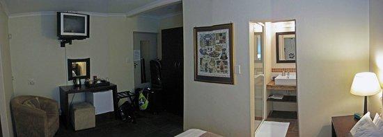 Mackaya Bella Guest House: My bedroom.
