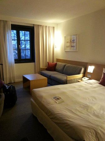 Novotel Brussels Grand Place : Habitacion