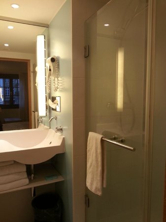 Novotel Brussels Grand Place : Baño