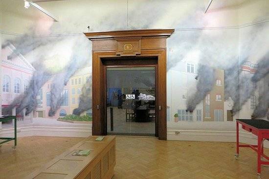 Bristol Museum & Art Gallery: I want to be invisible