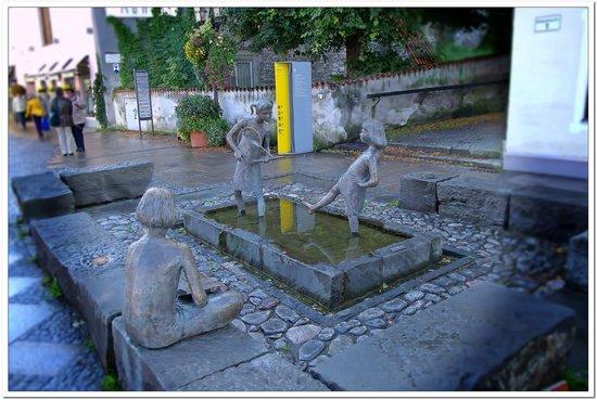 Altstadt von Fuessen: fontana 001