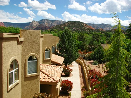 Sedona Springs Resort: The views of surrounding Sedona.