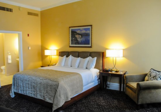 The Davenport Lusso, Autograph Collection: Corner bedroom on 3rd floor