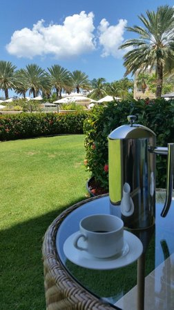 The Ritz-Carlton, Grand Cayman: Coffee on room patio