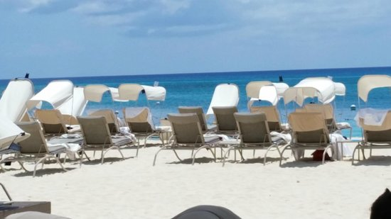 The Ritz-Carlton, Grand Cayman: Beach
