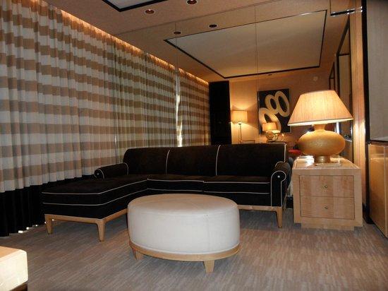 Encore At Wynn  Las Vegas: The sofa