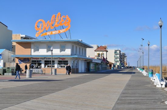 Rehoboth Beach Boardwalk : Dolles, on the 'Walk