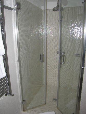 Casa Pinto: shower