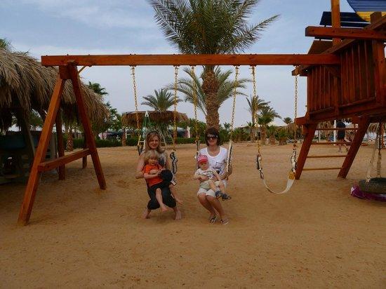 Nuweiba Coral Resort: детская площадка