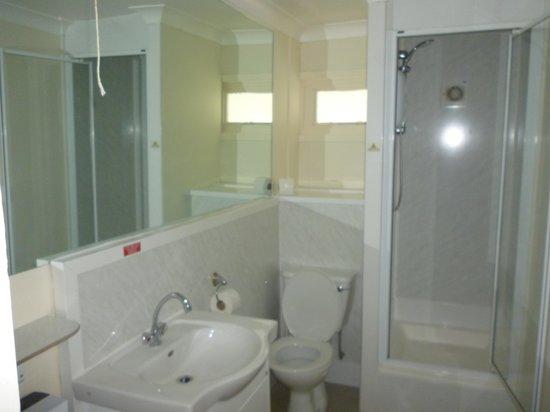 Butlin's Bognor Regis Resort: salle de douche