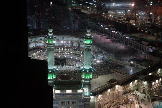Pullman ZamZam Makkah : Room 1518 View of the Haram