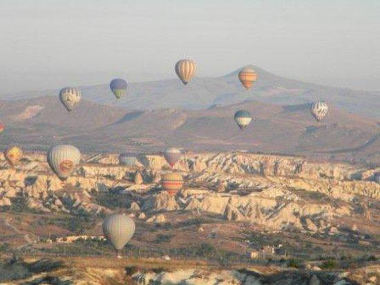 Hot Air Ballooning Cappadocia : Balão na Capadócia