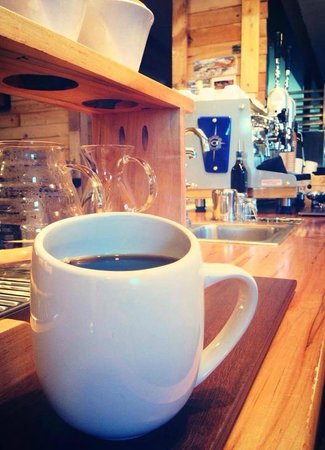 Happy Creek Coffee & Tea: Pour over station