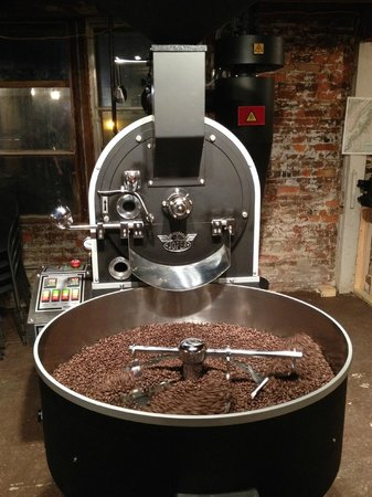 Happy Creek Coffee & Tea: Roasting their own coffee!
