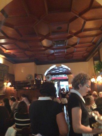 L'Entrecôte Couronnée: Restaurant