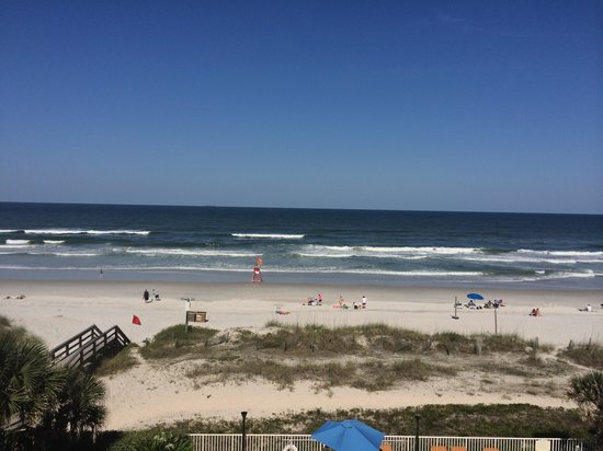 Courtyard by Marriott Jacksonville Beach Oceanfront: View off balcony room 450 I believe.