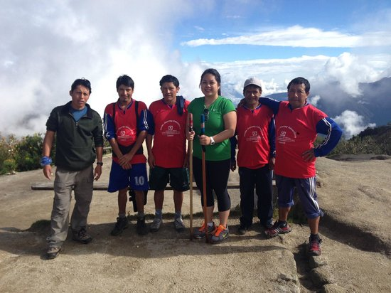 Inca Land Adventures: A photo of me and the team, our guide Hector and the porters