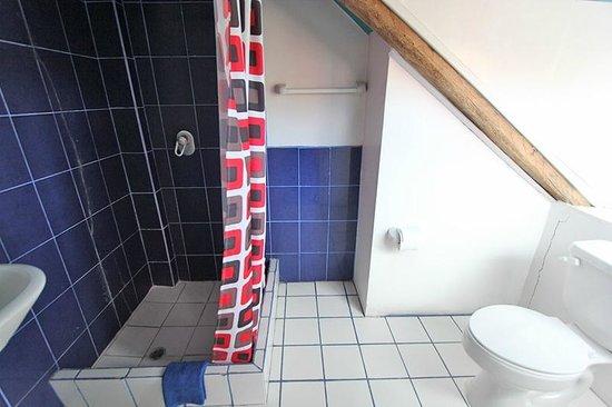 كاسا كانيلا: Salle de bain