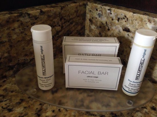 Residence Inn San Diego Downtown/Gaslamp Quarter: Paul Mitchell Toiletries!!!